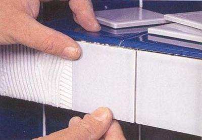 Как положить плитку на кухне: варианты укладки и способы выполнения
